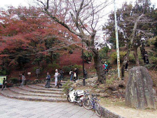 嵐山公園への入り口