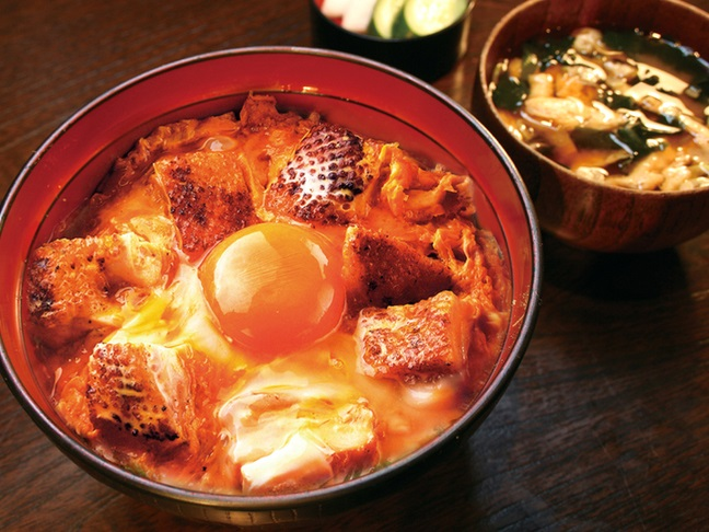 青山 鶏味座 (究極の親子丼)